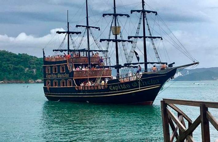 Barco Pirata em Balneário Camboriú Pontos Turísticos