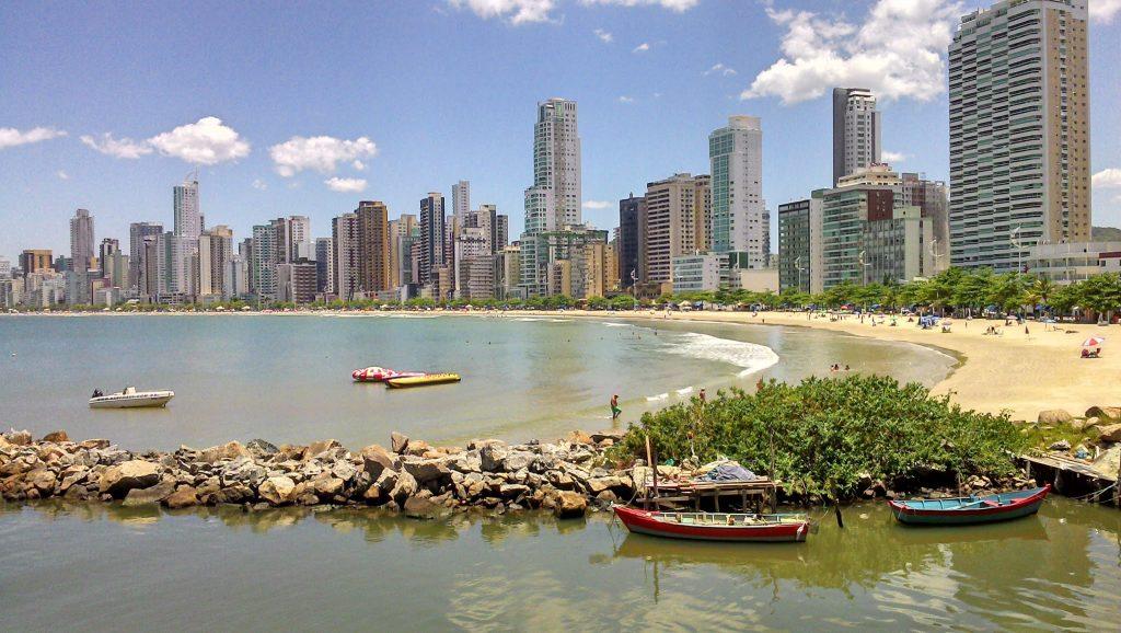 morar em frente ao mar em Balneário Camboriú