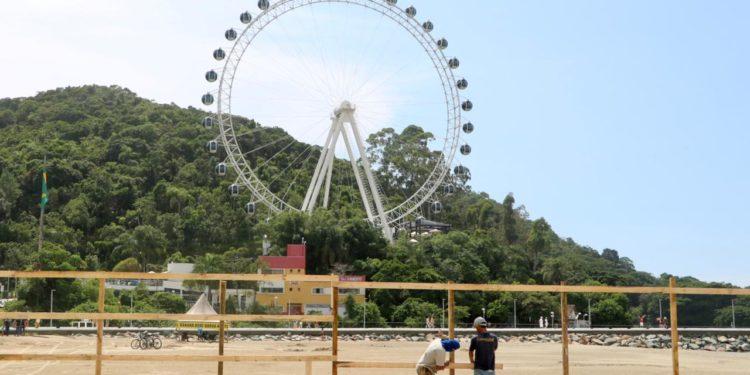 Canteiro de obras do alargamento da Praia Central começa a ser montado